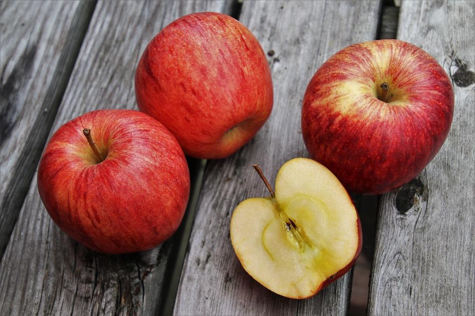 Україна в січні експортувала рекордний обсяг яблук