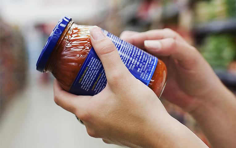 Розшифрувати етикетку: навіщо потрібно нове маркування харчів та що про це думають виробники продукції